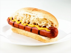 38-hot-dog-sauerkraut-636